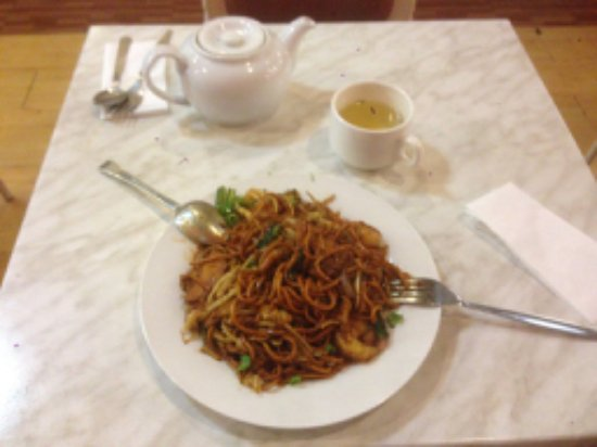 malaysian delicacies vs western delicacies With its cultural mix of malay, chinese and indian, malaysia was the  we start  north-west in penang and drop down the west coast to melaka,.