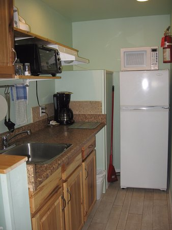 Creston, Canada: Room #22 - kitchenette