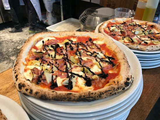 Port Moody, Канада: Pizza with balsamic