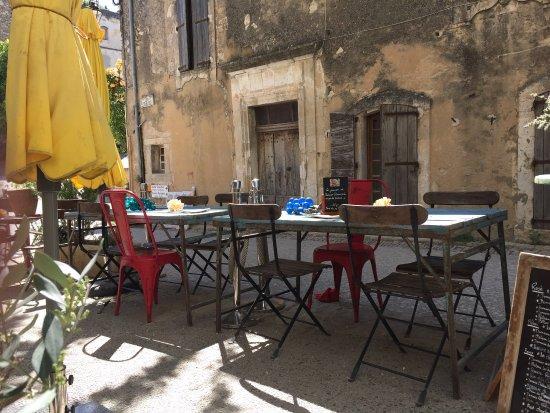 Oppede, Γαλλία: LE PETIT CAFÉ Restaurant & Bar à Vins