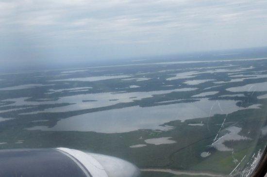Tuktoyaktuk, แคนาดา: flight to/from Tuk