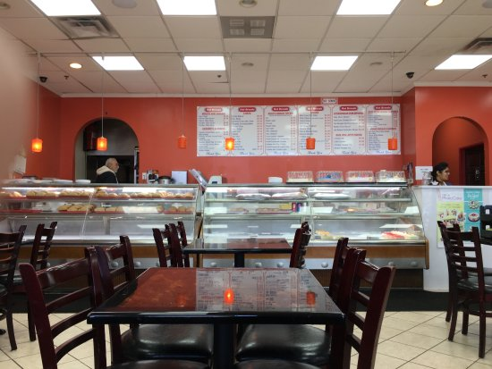 Hoffman Estates, IL: Chicago Hot Breads