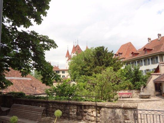 Thun, Switzerland: Linda perspectiva da cidade