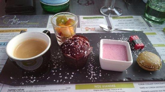 Pontarlier, Frankrig: Le café gourmand
