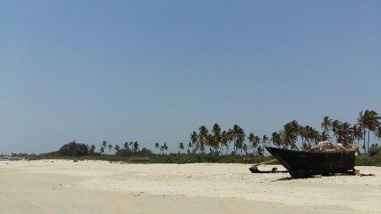 Benaulim Beach: 20170408_133918_large.jpg