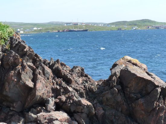 Red Bay, Canadá: long view of our ship