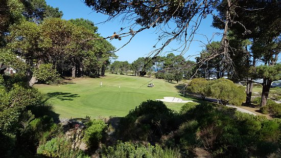 Hermanus Lodge on the Green: Stunning views across the 25th hole