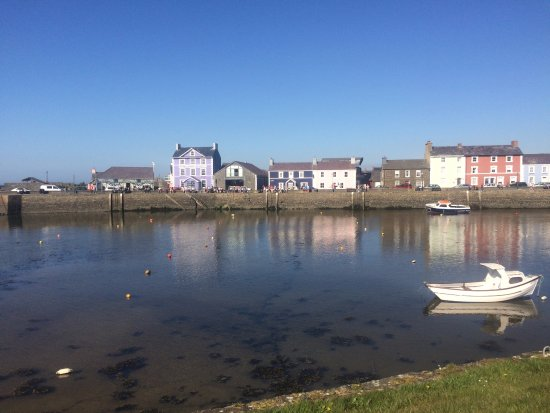 Aberaeron, UK: The guest house is the dark blue building almost in the centre