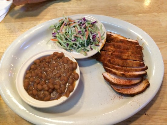 Fayetteville, AR: Sliced Chicken, Baked Beans and Coleslaw