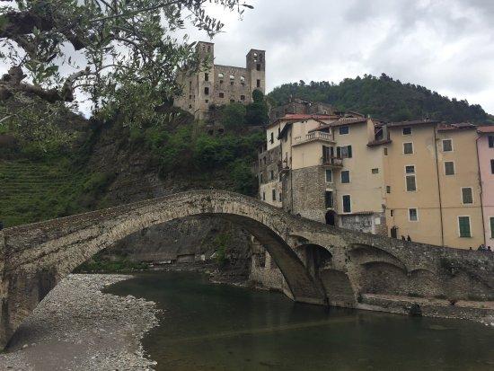 Italienske riviera, Italia: Dolceacqua