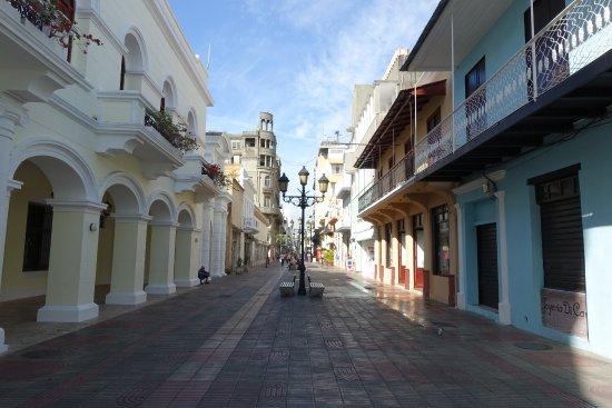 Zona Colonial : Früh morgens, wenn die Geschäfte noch geschlossen haben.