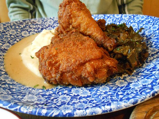 Oxon Hill, MD: Fried Chicken with mashed potatoes and collards