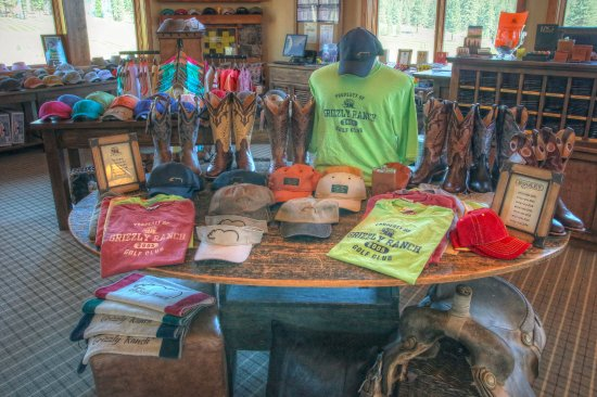 Portola, Калифорния: The Golf Shop has some great ranch-style items!