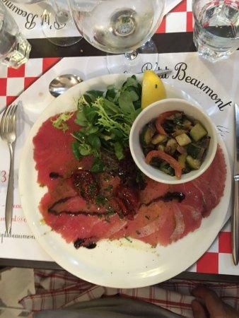 Beaumont-en-Auge, ฝรั่งเศส: Très original et savoureux carpaccio de thon rouge !