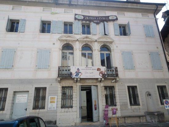 """Museo Archeologico di Mel - Palazzo """"delle Contesse"""""""