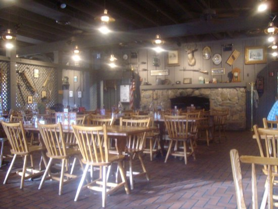 Main dining area, Cracker Barrel, Springville, UT