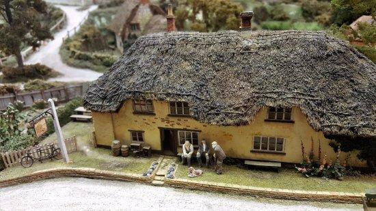 Long Wittenham, UK: Miniature Pub in Pendon Museum