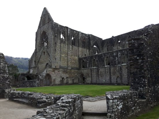Chepstow, UK: Another view of the abbey