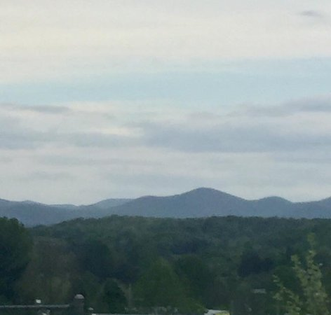 Comfort Inn & Suites Blue Ridge: View from room 113