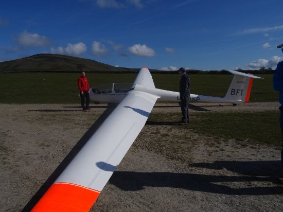 Bowland Forest Gliding Club: Went today with a friend on a gift experience. Best time ever. Can't recommend enough. Friendly
