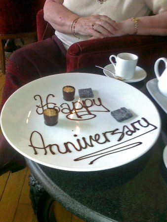 Baslow, UK: A nice touch on a special day