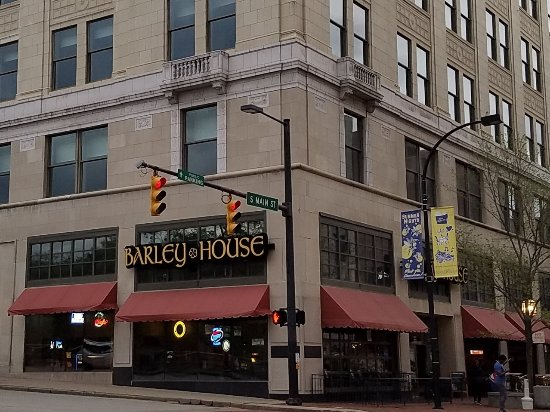 Akron, OH: the corner place