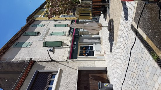 Quillan, Frankrijk: 20170418_134301_large.jpg