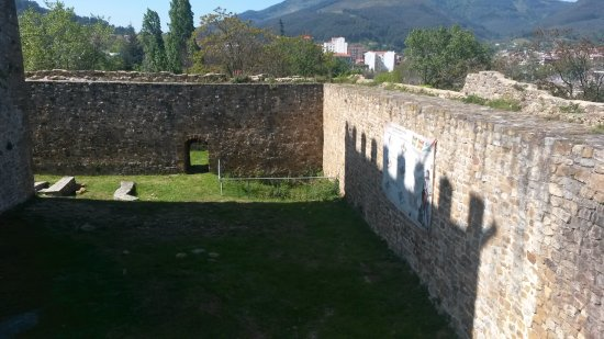 Castillo de Munatones Gaztelua