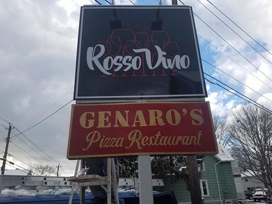 Branford, CT: Rosso Vino