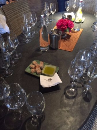 Kenwood, CA: A delicious tasting at Keller Estate