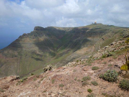 Famara, Spanien: Berge dahinter