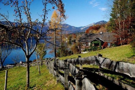 Bad Goisern, Oostenrijk: Ostuferwanderweg zur Seeraunzen