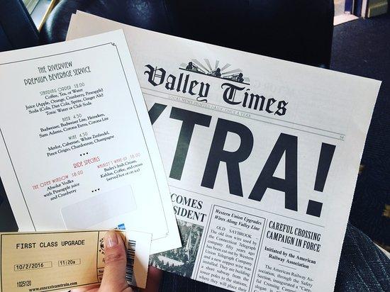"Essex, Коннектикут: Drink menu and cute little ""newspaper"" given on board"