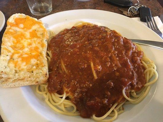 Brantford, Canadá: La spaghetti and meat sauce. Yum