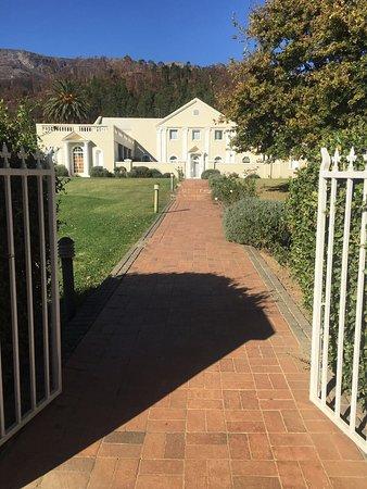 Cascade Manor: photo1.jpg