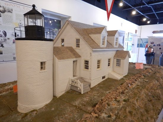 Rockland, ME: Model lighthouses throughout!