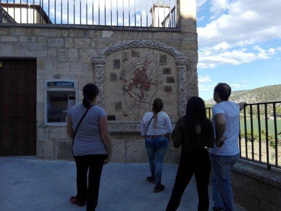 Santo Domingo de Silos, Spania: IMG_20170423_183653_large.jpg