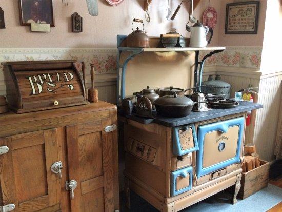 DeLand, FL: bright warm kitchen...