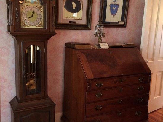 DeLand, فلوريدا: Desk is original to the DeLand House......