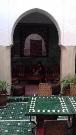 Riad Vert Marrakech: Welcomed with a lovely mint tea after a long trip