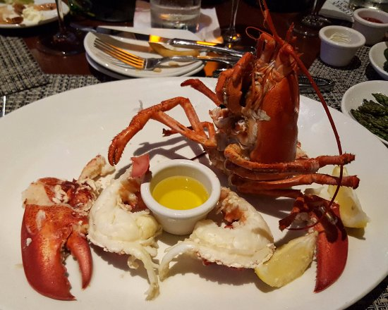El Segundo, CA: Lobster out of the shell