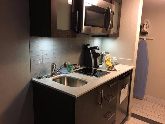 Λίβερπουλ, Νέα Υόρκη: Maplewood Suites - kitchenette