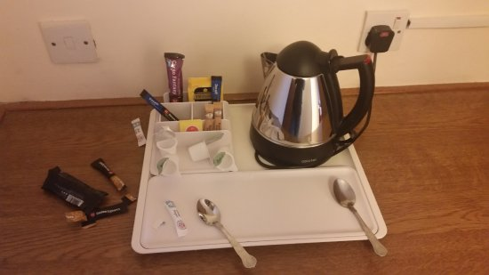 South Normanton, UK: Was able to get more coffee, sugar and milk from reception - no problems.