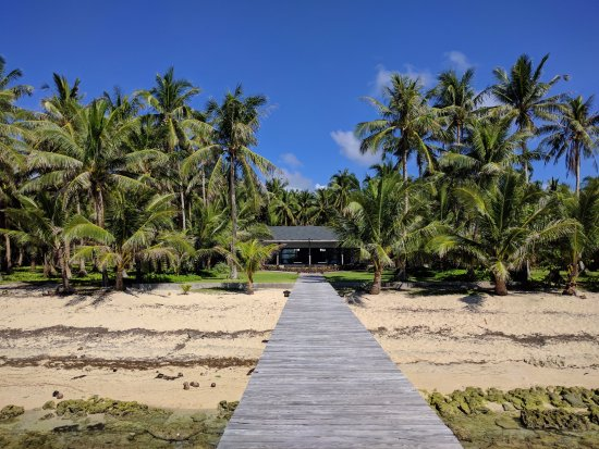 Siargao Paraiso Resort: View of the resort from the dock