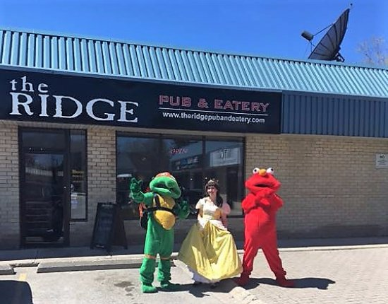 Exeter, Canada : Staff dressed up at this fundraiser for Big Brothers Big Sisters that The Ridge sponsored!