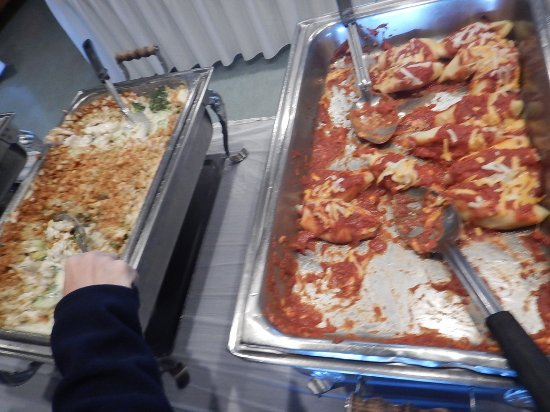 Woolwich, Maine: Buffet mains