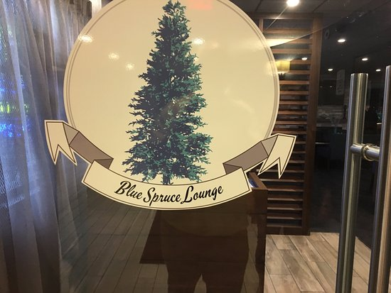 Liverpool, NY: Blue Spruce Lounge - sign on door