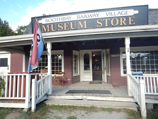Boothbay, ME: The museum store