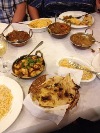 Wantirna, Australia: What a selection - Vindaloo, Tikka Masala, Lamb Madras and Chef's Chicken Special