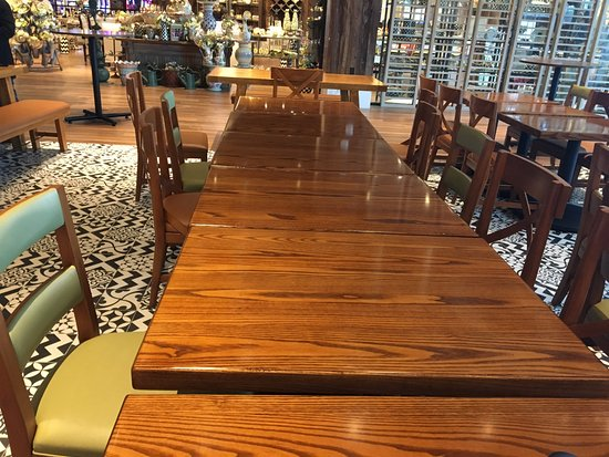 Waterloo, NY: Ciccino's - dining area tables